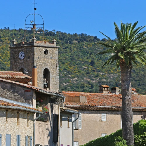 plan-de-la-tour-village-20-photo-bertrand-2014_500.jpg